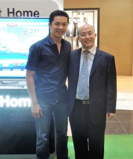 Changhong Brand Ambassador Taufik Hidayat and Mr. Washington Feng