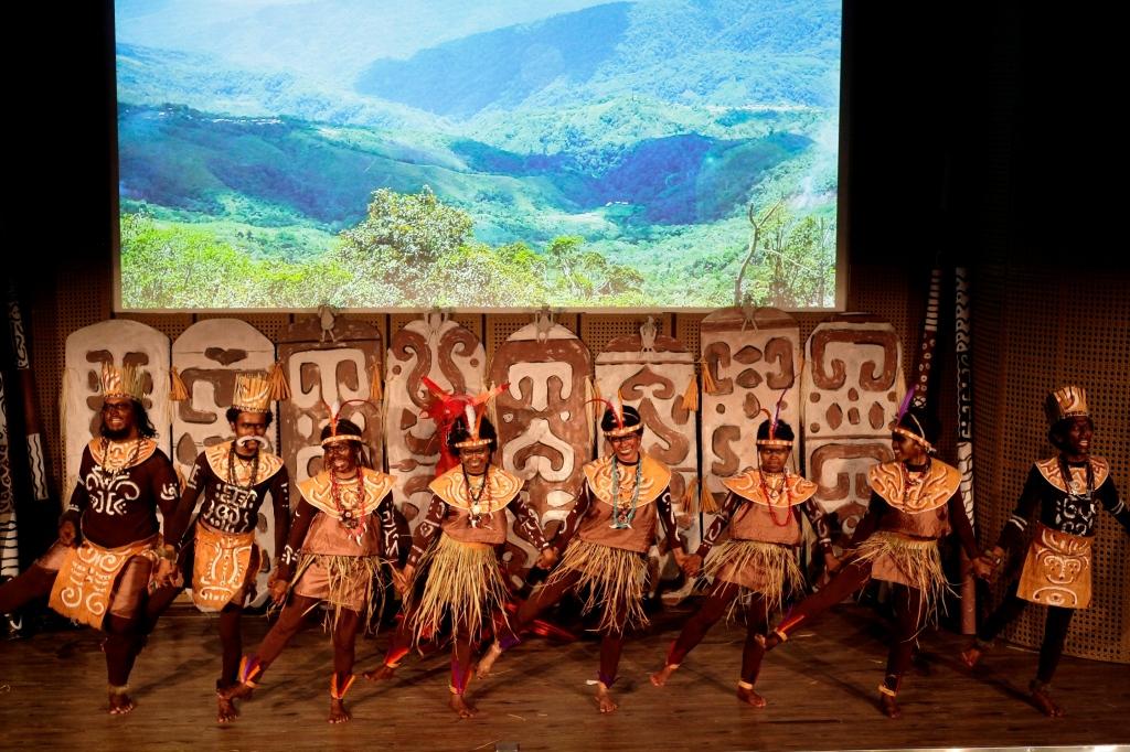 Cahaya Dari Papua - 01