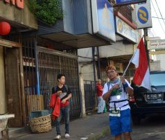 Nationalist runner and supporter