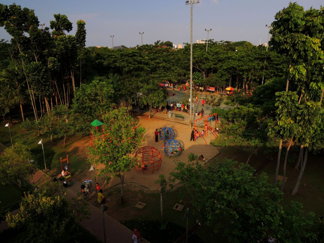 Menteng Park in Central Jakarta facilitates playing ground and sports courts.