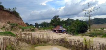 A shack in deserted sand mining area